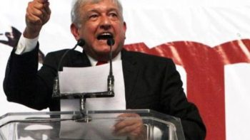 López a políticos: 'Están alborotados con su guerra sucia'
