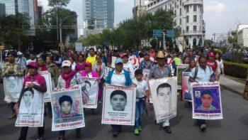 Preocupa a padres de los 43 desaparición de pruebas en indagación