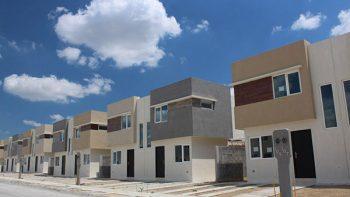 Supervisan construcción de casas sustentables en Apodaca