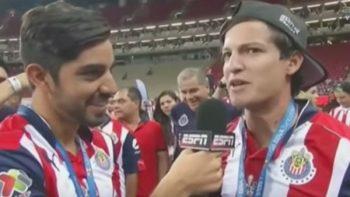 """Jugadores de Chivas """"trollean"""" a periodista de ESPN (VIDEO)"""