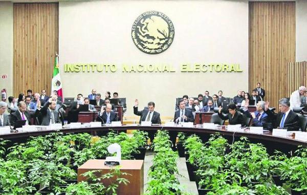 Se consolida PT como tercera fuerza política en el Senado