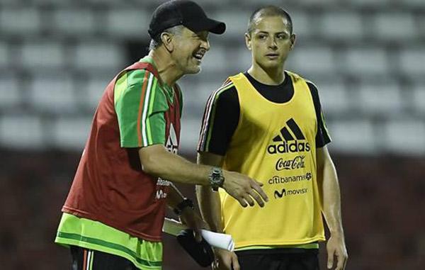 Ochoa no regresará a México tras descenso del Granada