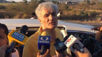 José Manuel Mireles sale del penal de Nayarit