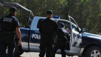 Aseguran armas y uniformes apócrifos de policía en Culiacán