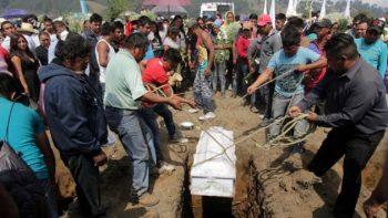 Despiden a víctimas de explosión de pirotecnia en Puebla