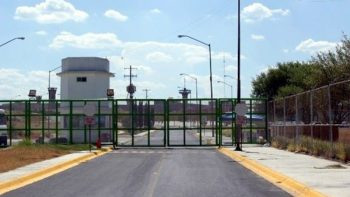 Catean penal de Cadereyta y reubican a 33 reos