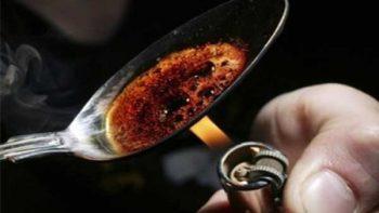 Alertan a jóvenes sobre riesgos del consumo de drogas y alcohol