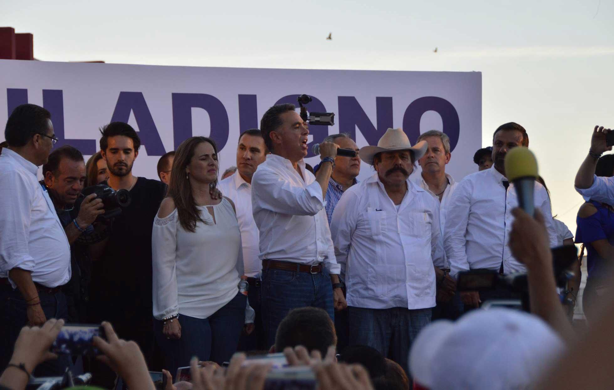 No sean aprendices de AMLO, pide Ochoa a panistas