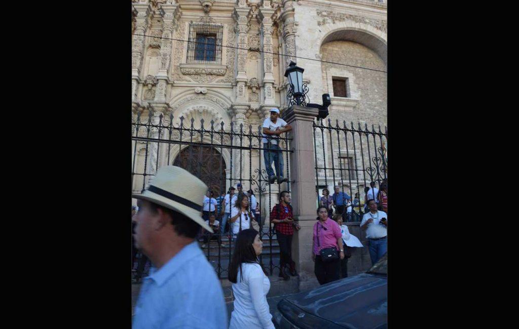 Miguel Riquelme, gobernador de Coahuila; recibe constancia