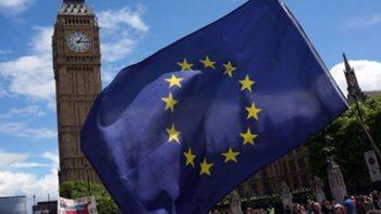 Unión Europea y Reino Unido acuerdan negociación de Brexit