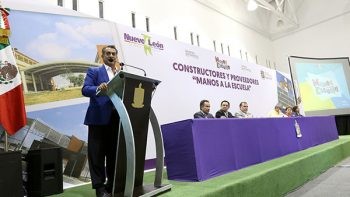 Ofrece NL piso parejo a constructores para mantenimiento de 3 mil 600 escuelas
