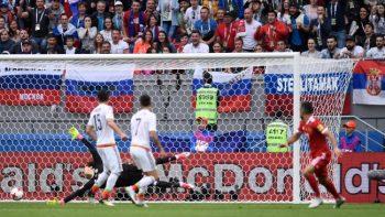 Con fortuna, México viene de atrás para vencer 2-1 a Rusia y está en semifinales