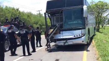 Choca autobús que trasladaba reos de Cedes de Ciudad Victoria