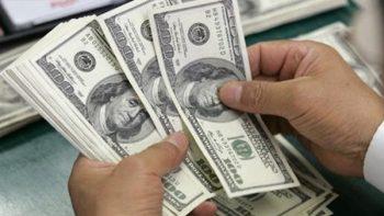 Peso recupera terreno frente al dólar que se vende en 18.53 pesos