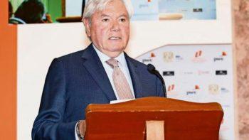 Destaca Hank Rhon desempeño de AMLO como jefe de Gobierno