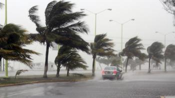 Mantienen operativo en costas de Jalisco por paso de huracán Dora