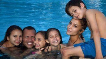 Jennifer Lopez comparte foto en familia con Alex Rodríguez