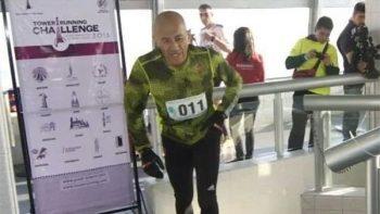 Jubilado del IPN participará en Campeonato Mundial de subir escaleras en China