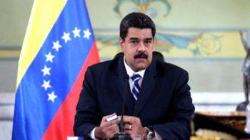 Maduro fustiga a opositores y se blinda con mandos castrenses