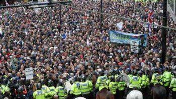 Marcha de derecha contra 'el odio islámico' en Reino Unido