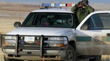 Patrulla Fronteriza entregó a 143 traficantes de humanos a México