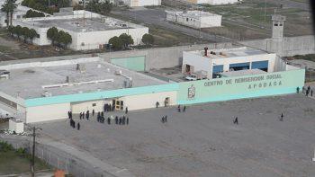 Encarcelan a celador por videos del Penal de Apodaca