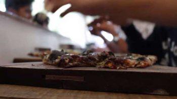 Pizzas de masa azul, más que un negocio, una herramienta de empoderamiento