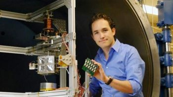 Ingeniero mexicano crea simulador espacial