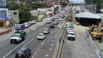 Graco y Esparza comparecerán por el socavón en autopista