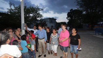Inauguran red de alumbrado público en Lagos de Chapultepec