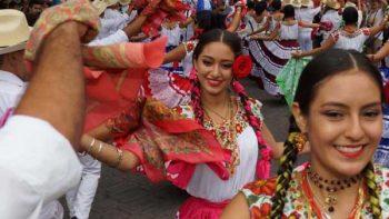 Se llena Oaxaca de fiesta, en vísperas de segunda Guelaguetza