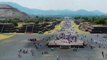 Descubren posible túnel en Pirámide de la Luna, en Teotihuacán