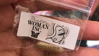 ¿Por qué algunas mujeres le están poniendo glitter a sus vaginas?