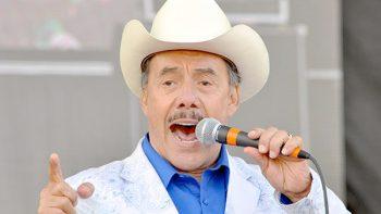 Ahora el papá de Jenni Rivera lanzará disco musical para caballos