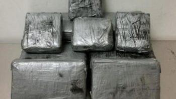 Detiene a regios con droga valuada en un millón de dólares en Laredo