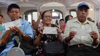 Reciben apoyo económico ex braceros de Nuevo León