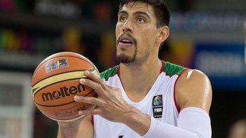 Gustavo Ayón no estará con la selección de basquetbol