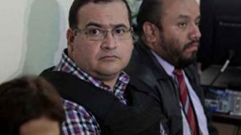 PGR presenta 82 elementos de prueba contra Javier Duarte