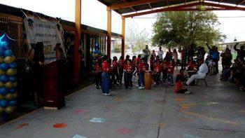Despiden ciclo escolar a ritmo de tambor