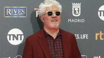 Pedro Almodóvar brilla en los Premios Platino