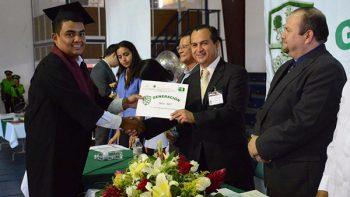 Gradúa Técnicos Agropecuarios y en Ofimática el CBTA Número 275