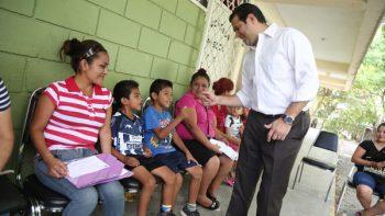 Supervisa Cienfuegos entrega de paquetes escolares