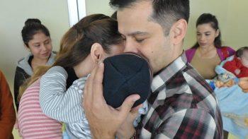 Urgen al Poder Legislativo a 'descongelar' ley de adopciones
