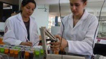 Estudiantes del Politécnico crean bebida rehidratante para diabéticos