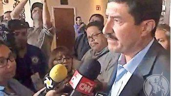Agrede Javier Corral a reportera de El Diario