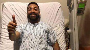 Marco Fabián es operado con éxito y manda mensaje
