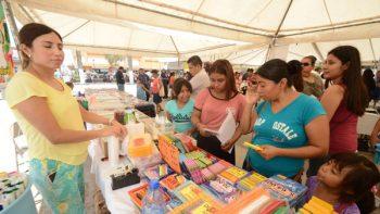 Apoya Gobierno de Maki compras de útiles en Feria de Regreso a Clases