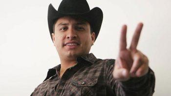 'Aquí andamos y muy bien', dice Julión Álvarez a sus fans