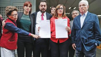 Morena denuncia a ex director de Pemex ante PGR por peculado