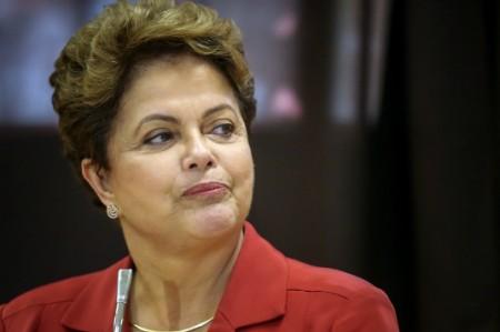Rousseff es reelecta presidenta de Brasil por 3 millones de votos